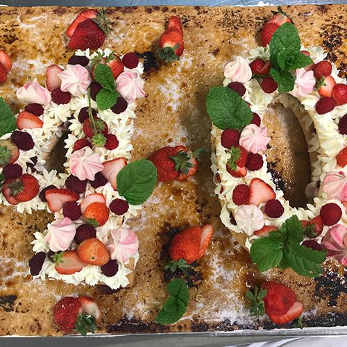 Gâteau avec des fraises